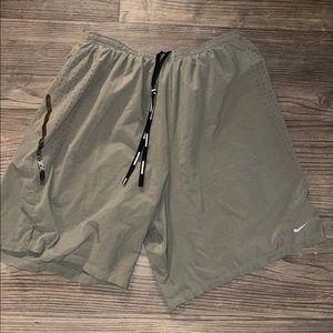 NIKE SHORTS - running shorts - workout shorts